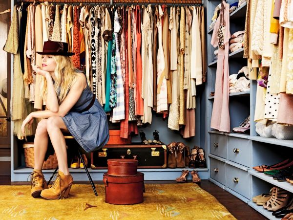 femeie garderoba
