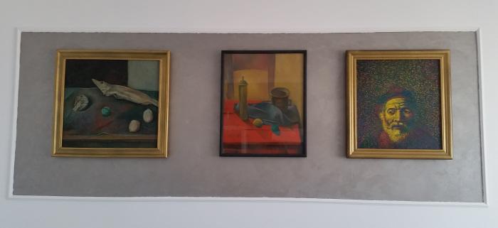 trei tablouri