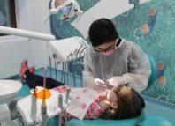 Protecția dinților copilului este esențială de la vârste fragede